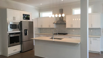 High Gloss White Kitchen Cabinet In North Vancouver