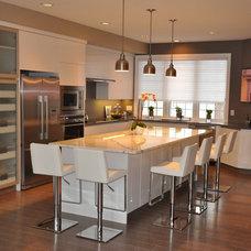 Modern Kitchen by Palandri Cabinets