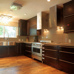 High Quality Stock/ Semi-Custom Cabinets - http://www.imagespring.net