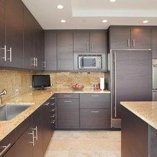 Modern Kitchen by Michael Menn Ltd.