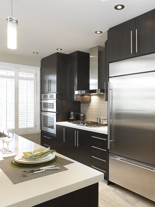 Montreal Kitchen Design Ideas, Renovations & Photos with Brown ...