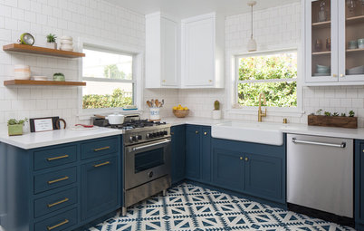 Kitchen Gets a Crisp Makeover in Blue and White