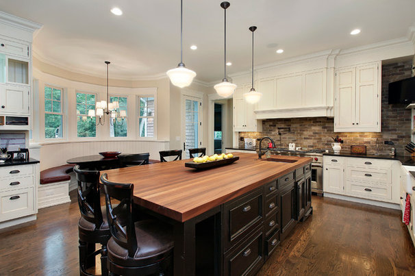 Traditional Kitchen by Highgate Builders