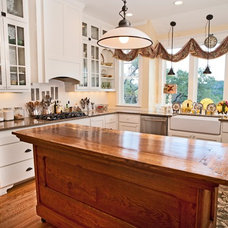 Traditional Kitchen by Godsey Homes