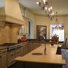 Traditional Kitchen by GABRIEL HOME BUILDERS INC