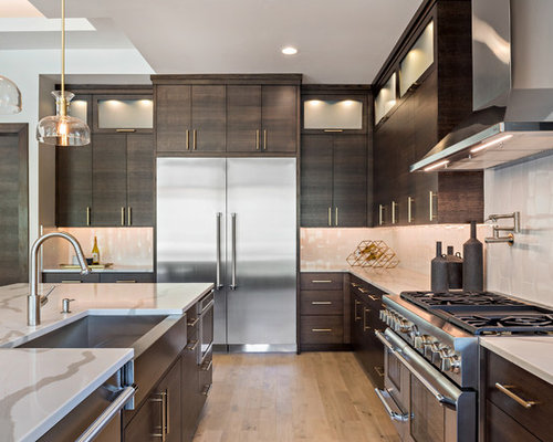 Contemporary Kitchen Inspiration   Trendy L Shaped Light Wood Floor And  Beige Floor Kitchen Photo