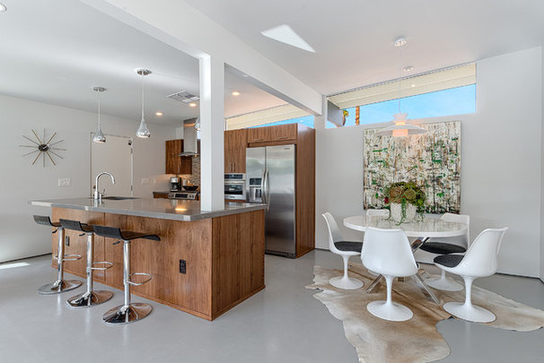 Midcentury Kitchen by House & Homes Palm Springs Home Staging