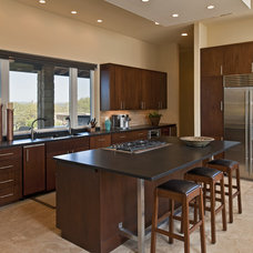 Contemporary Kitchen by Bella Villa Design Studio