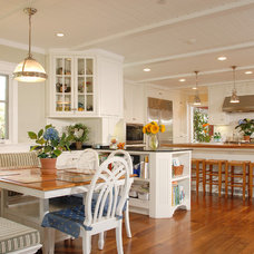 Traditional Kitchen by Dixon Construction, Inc.