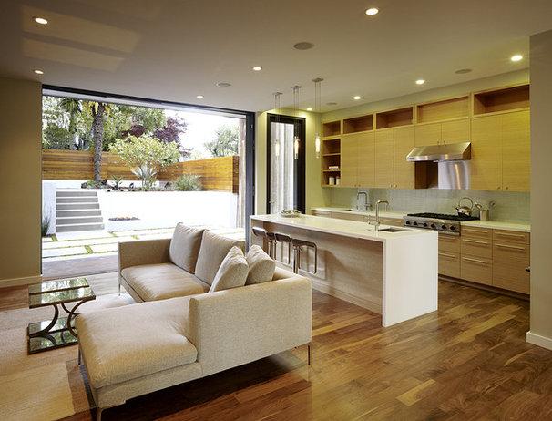Modern Kitchen by John Maniscalco Architecture