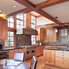 traditional kitchen by WA design