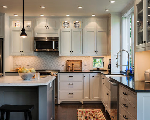 Inspiration For A Beach Style L Shaped Eat In Kitchen Remodel In Portland  Maine