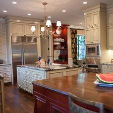 Traditional Kitchen by Leonardo Construction