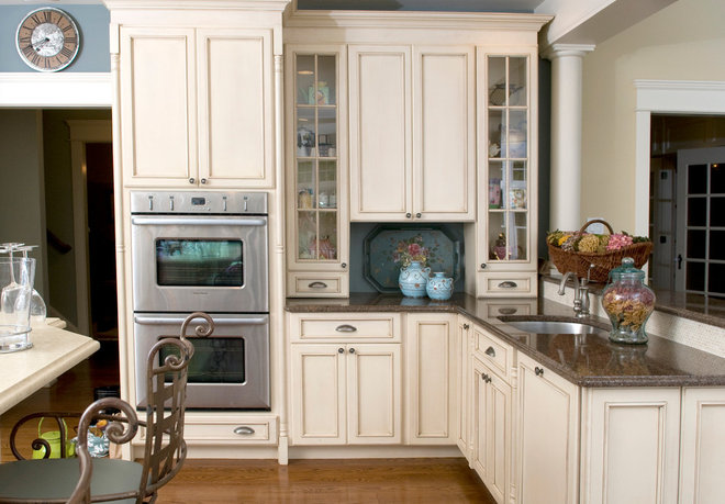 Traditional Kitchen by Jennifer Pacca Interiors