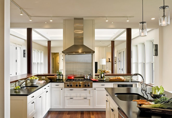 Contemporary Kitchen by Smith & Vansant Architects PC
