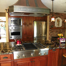 Traditional Kitchen by Renovisions, inc.