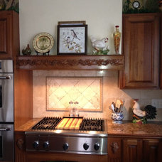 Traditional Kitchen by Mapleleaf Construction, LLC.