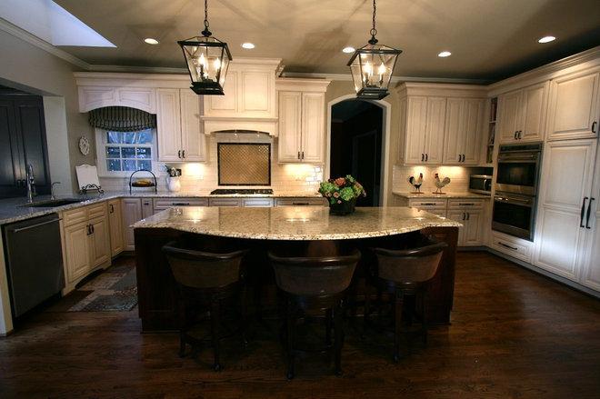 Traditional Kitchen by Cynthia Murphy