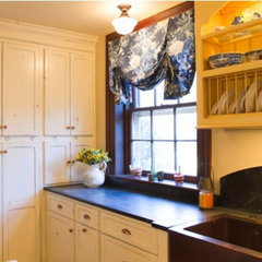 traditional kitchen by Merry Powell Interiors