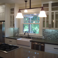 Craftsman Kitchen by Creative Eye Design + Build, LEED AP, CGBP