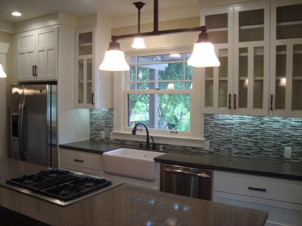 Craftsman Kitchen by Creative Eye Design + Build, LEED AP, CGBP