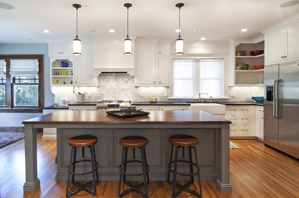 Rustic Kitchen by w.b. builders