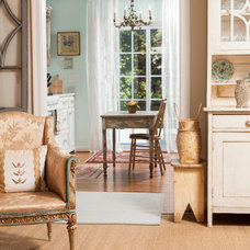 Traditional Kitchen by En Vie Interiors by Melanie Bowe