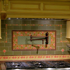 Traditional Kitchen by Hoffman Grayson Architects LLP