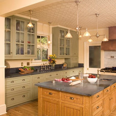 Traditional Kitchen by Kitchen & Bath Studio