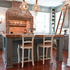traditional kitchen by Harmony Cabinets & Construction