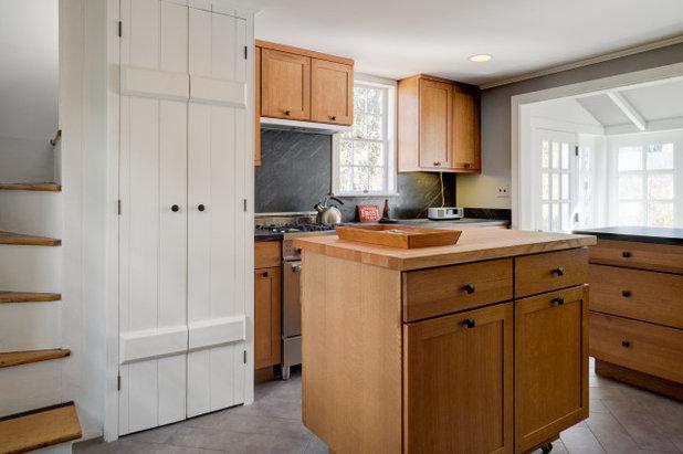 Farmhouse Kitchen by Baxter Construction