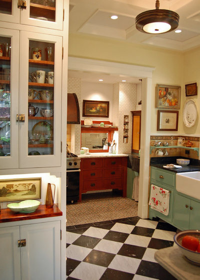 Shabby-chic Style Kitchen by Greene & Proppe Design, Inc