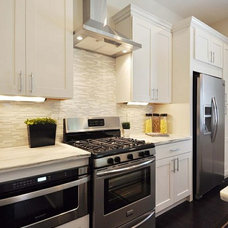 Modern Kitchen by Grand Home Solutions, Inc