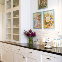 traditional kitchen by Charmean Neithart Interiors, LLC.
