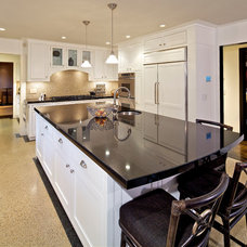 Traditional Kitchen by Charco DESIGN & BUILD Inc.