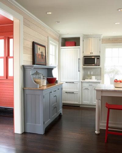 Farmhouse Kitchen by Meriwether Inc