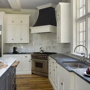 Foto di una cucina chic