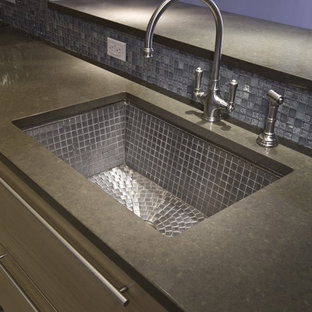 Trendy kitchen photo in New York with a single-bowl sink