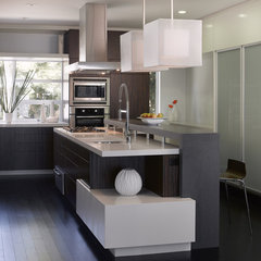 modern kitchen by Ken Gutmaker Architectural Photography