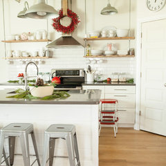 contemporary kitchen by Julie Ranee Photography