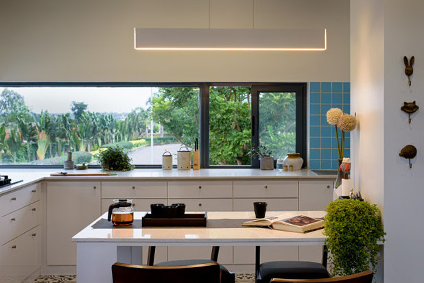 Contemporary Kitchen by ma+rs