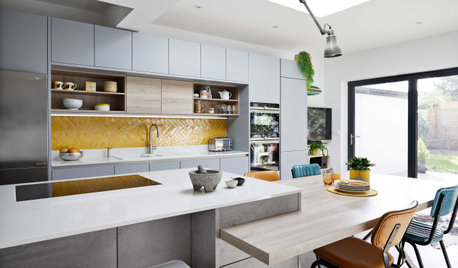 Kitchen Tour: A Modern, Light-filled Space with a Holiday Vibe