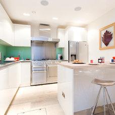 Contemporary Kitchen by Saville Construction (London) Ltd.