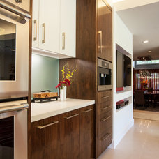 Modern Kitchen by Key Residential
