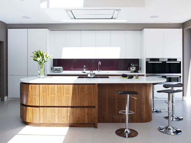 Contemporary Kitchen by Holloways of Ludlow Bespoke Kitchens