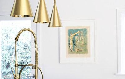 ¡Atrévete con detalles dorados en el baño y la cocina!