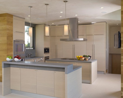 Kitchen Design Photos With Light Wood Cabinets And Flat Panel Cabinets