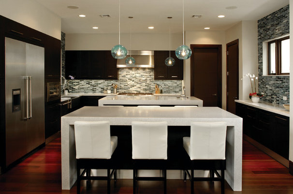 Contemporary Kitchen by Barron Development Corp.