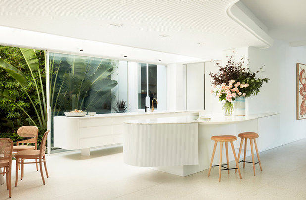 Modern Kitchen by Luigi Rosselli Architects