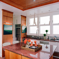 Traditional Kitchen by Kearney & O'Banion Inc.